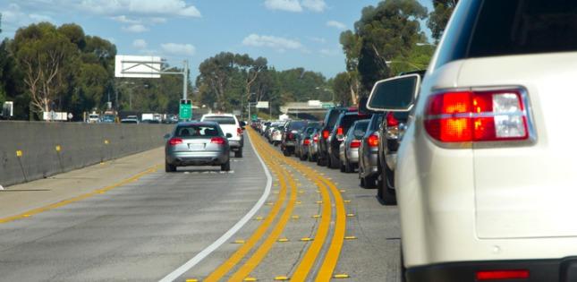traffic-jam-picture-id184603943
